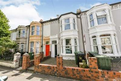 6 Bedrooms House for rent in Laburnum Grove, Portsmouth