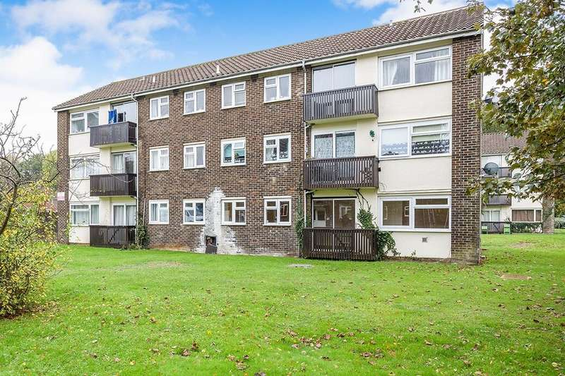 1 Bedroom Flat for rent in Crombie Close, Waterlooville, PO8