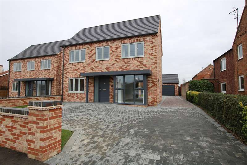 4 Bedrooms Detached House for sale in High Street, Bassingham, Lincoln
