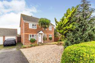 4 Bedrooms Detached House for sale in Commissioners Road, Strood, Kent, Uk