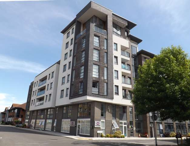 2 Bedrooms Flat for rent in College Street , Southampton