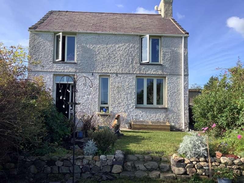 2 Bedrooms Detached House for sale in Llanddeiniolen, Caernarfon, Gwynedd, LL55