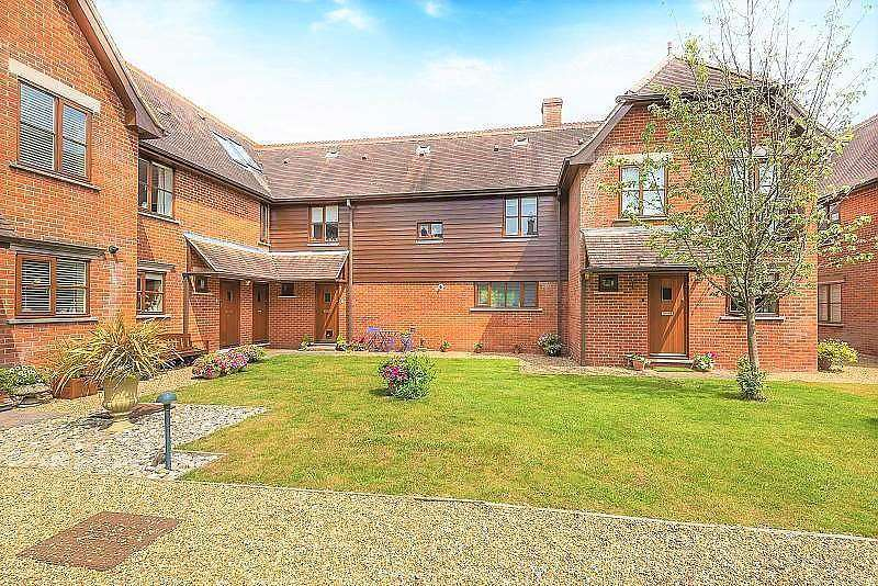 2 Bedrooms Terraced House for rent in Clock House Cottages, Enton Lane, Enton, Godalming, GU8