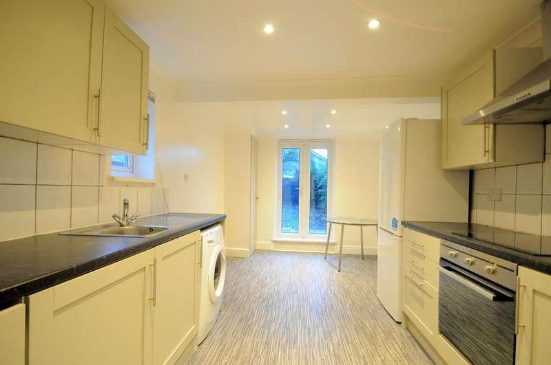 5 Bedrooms Terraced House for rent in Fenham Road, London, SE15 1AE
