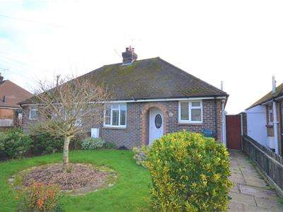 2 Bedrooms Semi Detached Bungalow for rent in Hawks Road, Hailsham, BN27