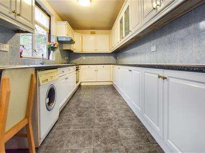 5 Bedrooms Semi Detached House for rent in Castleton Avenue, Wembley