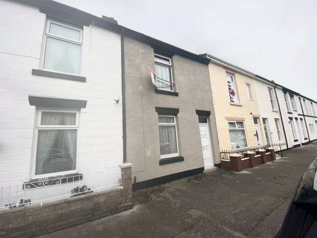 2 Bedrooms Terraced House for rent in North Church Street, Fleetwood, FY7