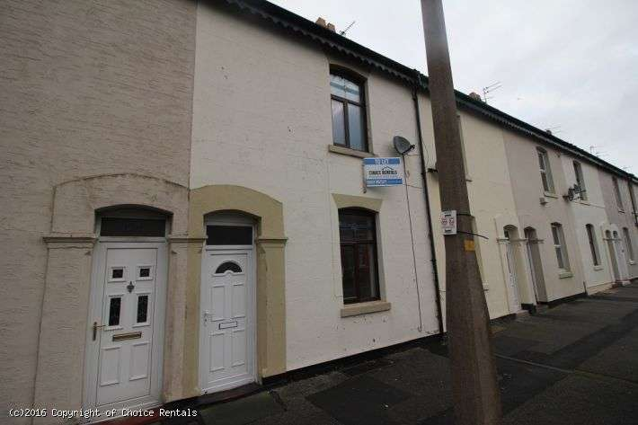 2 Bedrooms House for rent in Blakiston St, Fleetwood, FY7 6LF