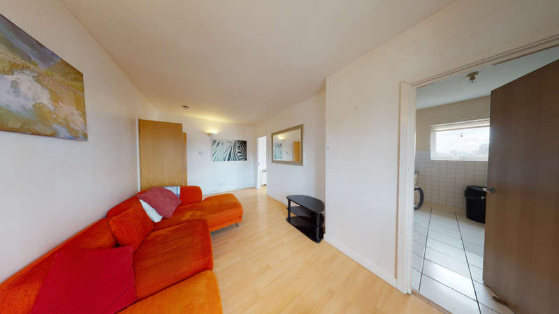 3 Bedrooms Flat for rent in Riverview Court, E14