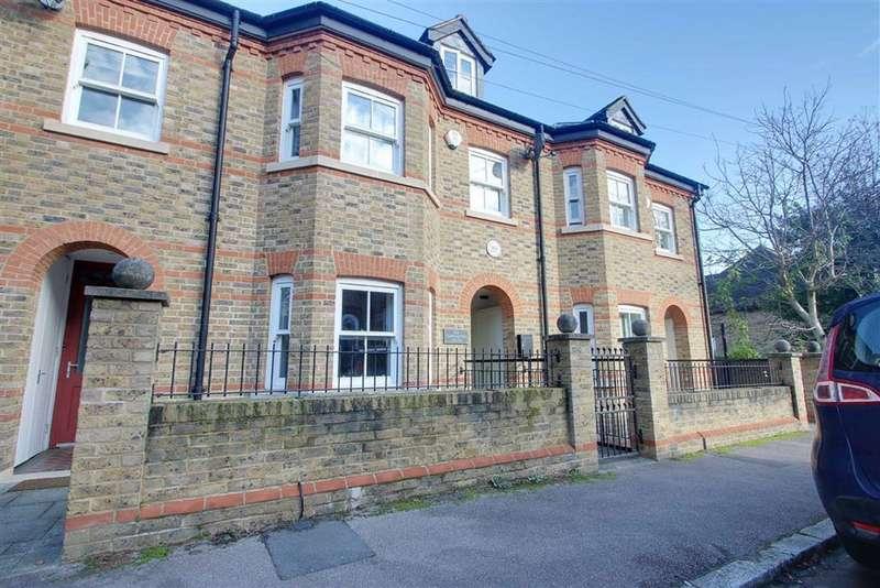 4 Bedrooms Terraced House for rent in Berkhamsted, Hertfordshire