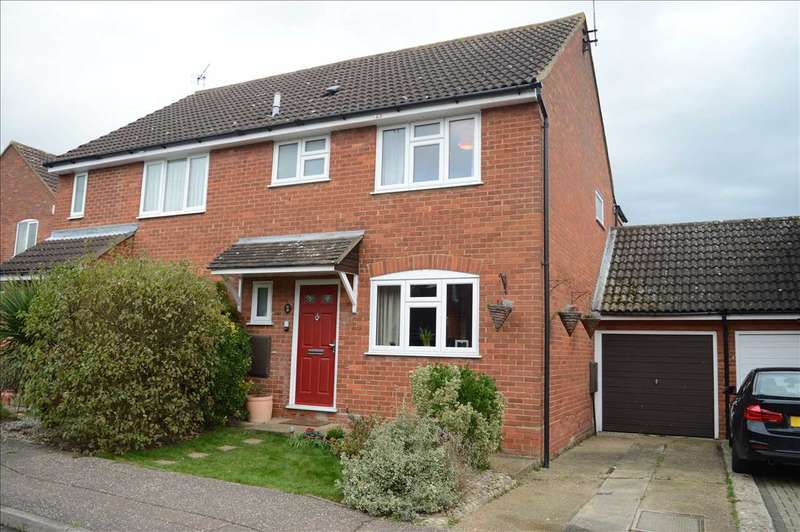 3 Bedrooms Semi Detached House for sale in Pickwick Avenue, Chelmsford