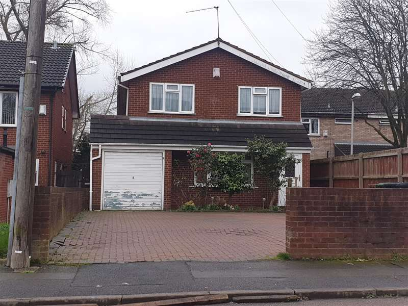 4 Bedrooms Detached House for rent in Wood Street, Darlaston, Wednesbury