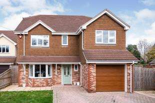 4 Bedrooms Detached House for sale in Willow Field, Halland, Lewes, East Sussex