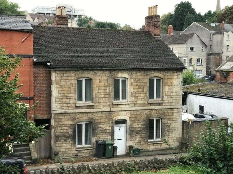 3 Bedrooms Property for sale in Slad Road, Stroud