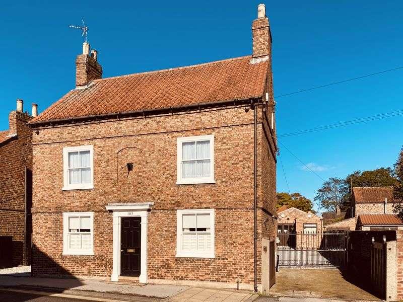 4 Bedrooms Property for sale in Front Street, York YO24 3BU
