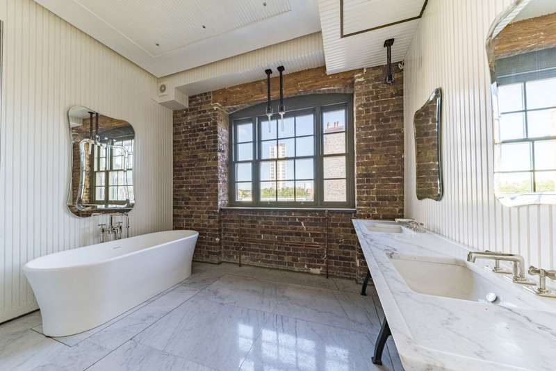 3 Bedrooms Flat for rent in Chapel Lofts, Belmont Street, London, NW1