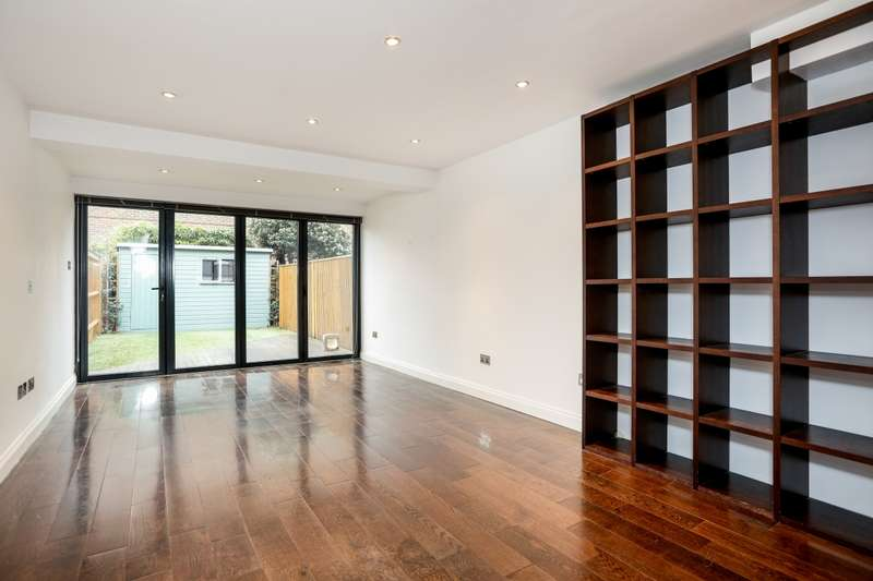 3 Bedrooms Terraced House for rent in Franche Court Road London SW17