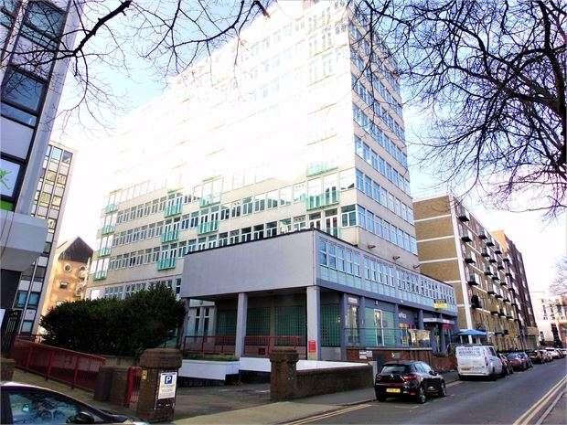 1 Bedroom Studio Flat for rent in Victoria Avenue, Southend on sea, Southend on sea, SS2 6BB