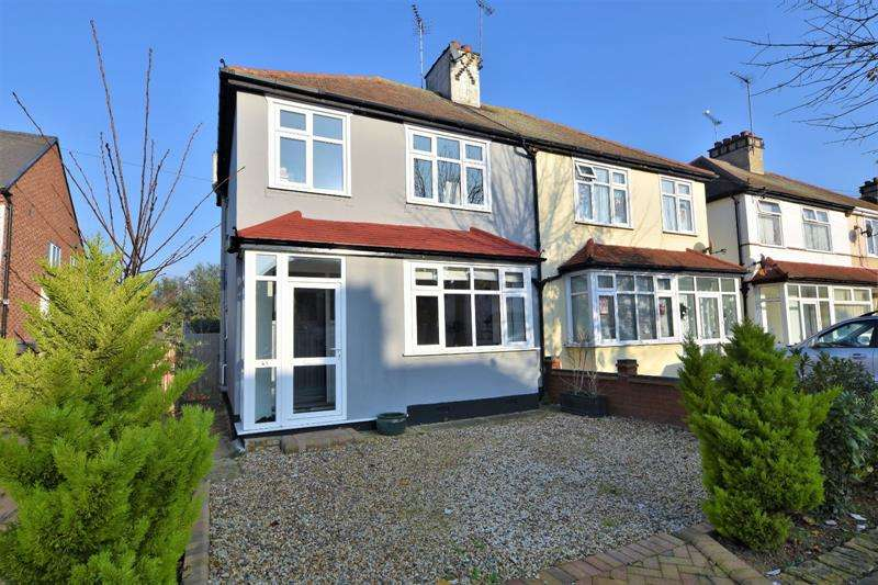 3 Bedrooms Semi Detached House for sale in Herbert Road, Shoeburyness, Essex, SS3