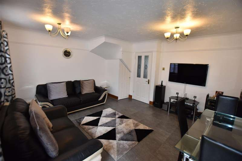 3 Bedrooms Terraced House for rent in Pegrams Road, Harlow
