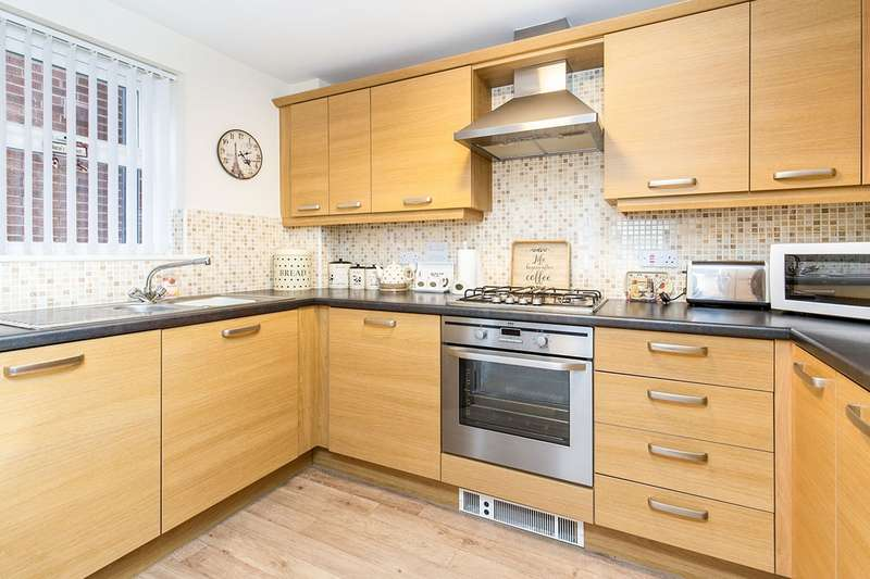 2 Bedrooms Flat for sale in Lingwood Court, Stockton-On-Tees, Thornaby, TS17