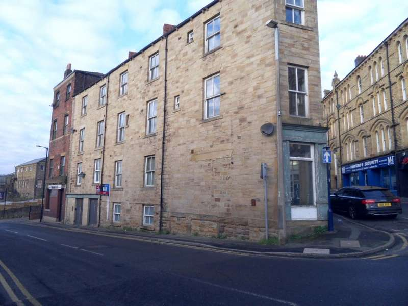 2 Bedrooms Apartment Flat for rent in Old Westgate, Dewsbury, WF13