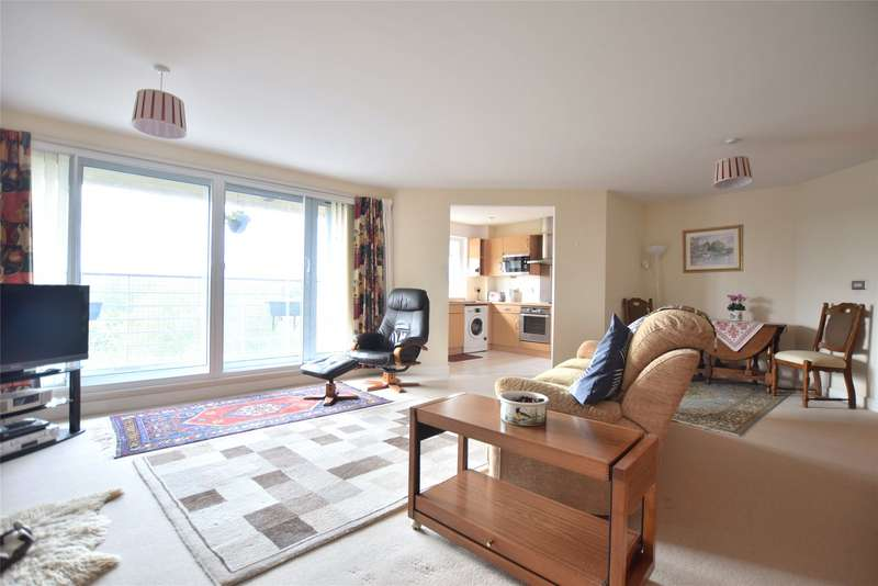 2 Bedrooms Flat for sale in Severn Road, Gloucester, Gloucestershire, GL1