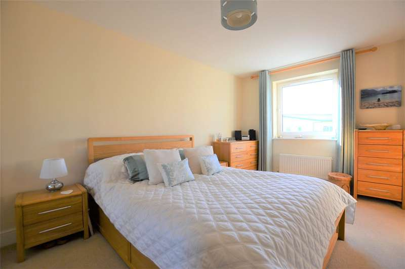 2 Bedrooms Flat for sale in Longhorn Avenue, Gloucester, Gloucestershire, GL1