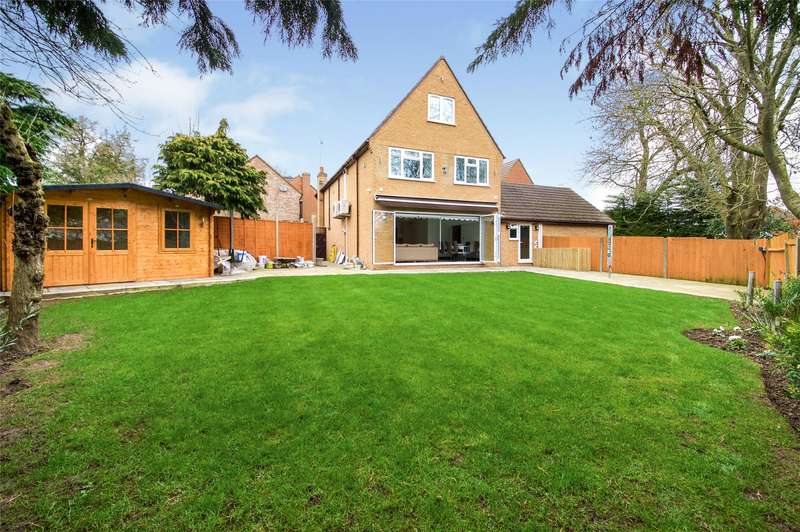 5 Bedrooms Detached House for sale in Bruno Place, London, NW9