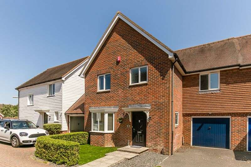 4 Bedrooms Semi Detached House for sale in The Hemsleys, PEASE POTTAGE, Crawley, RH11