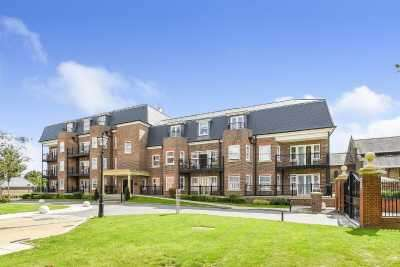 2 Bedrooms Apartment Flat for sale in Marian Gardens, Bromley, Kent, BR1