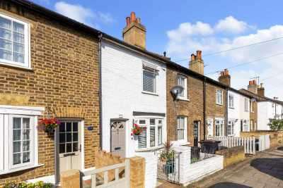 2 Bedrooms Terraced House for sale in Palace Road, Bromley, Kent, BR1