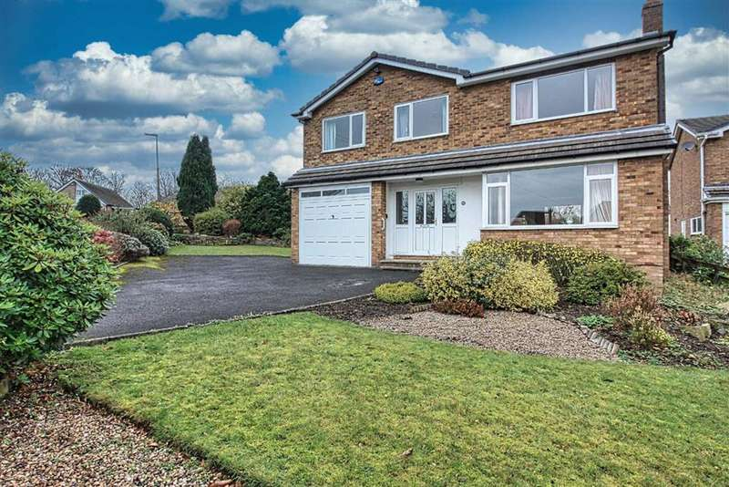4 Bedrooms Detached House for sale in Far View Crescent, Almondbury, Huddersfield