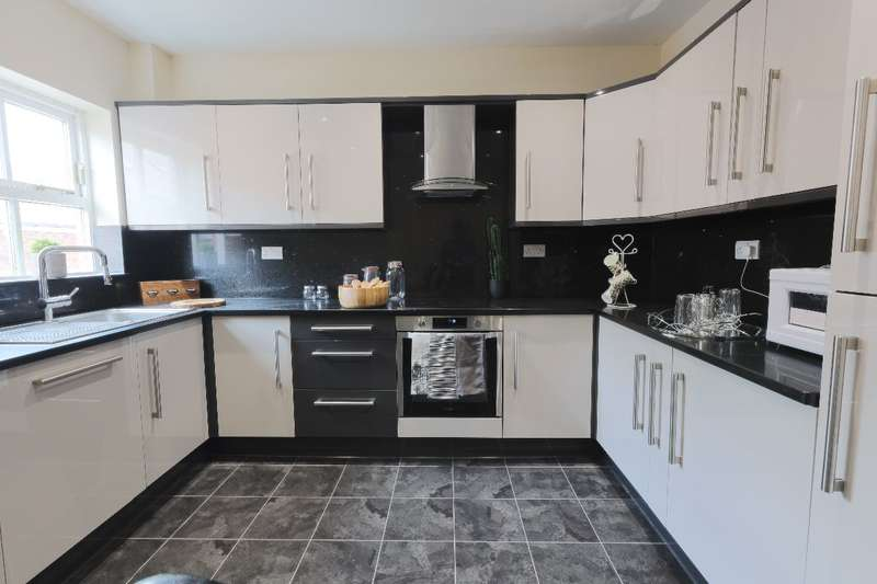 6 Bedrooms Apartment Flat for rent in 90c Gell Street