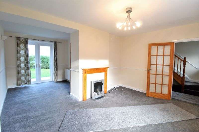 3 Bedrooms Property for rent in Poynings Drive, Manchester