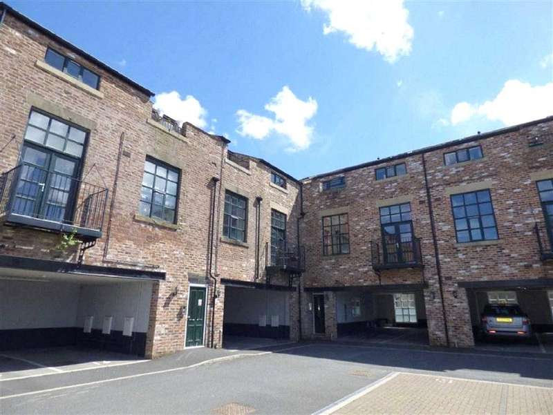 2 Bedrooms Apartment Flat for rent in Shaw Lodge, Lodge Street, Wardle, Rochdale, OL12