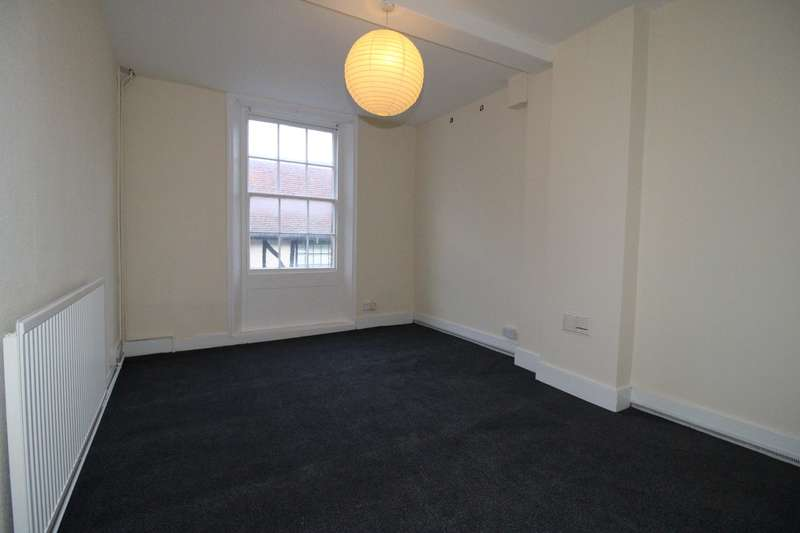 3 Bedrooms Flat for rent in Upper King Street, Royston, SG8