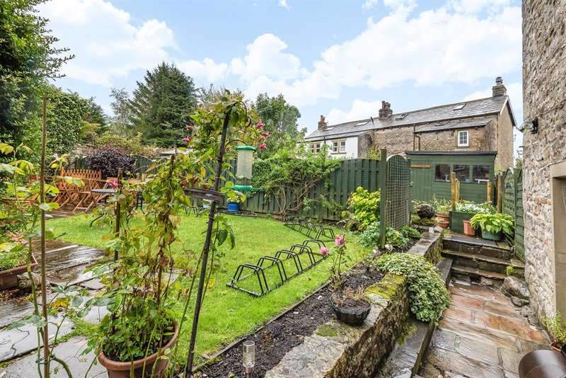 5 Bedrooms Semi Detached House for sale in Zarina's Tearoom Cafe and Belk's B & B, Kettlewell, Skipton