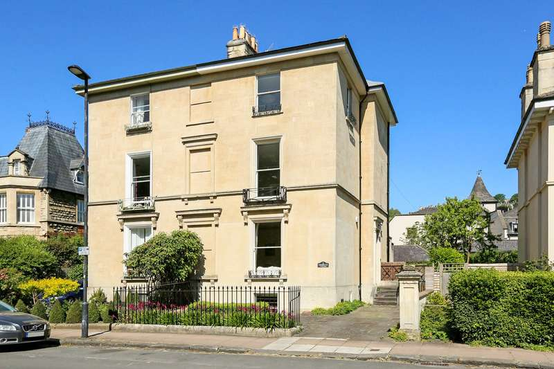 4 Bedrooms Semi Detached House for sale in Henrietta Road , Bath, BA2