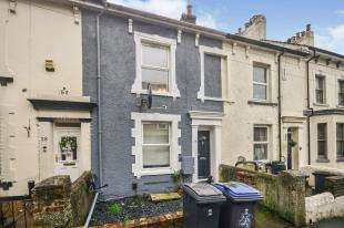 3 Bedrooms Terraced House for sale in De Burgh Hill, Dover, Kent