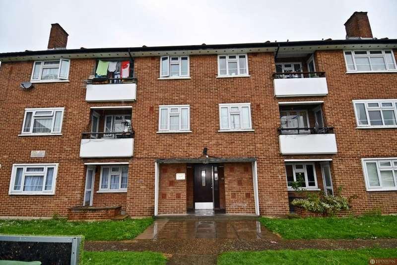 3 Bedrooms Flat for sale in Suffolk Road, Newbury Park, IG3