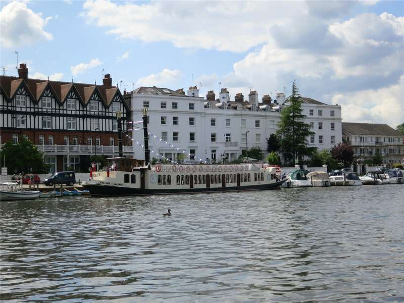 2 Bedrooms Flat for rent in River Terrace, Henley-on-Thames, Oxfordshire, RG9