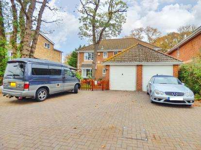 4 Bedrooms Detached House for sale in Gosport, Hampshire