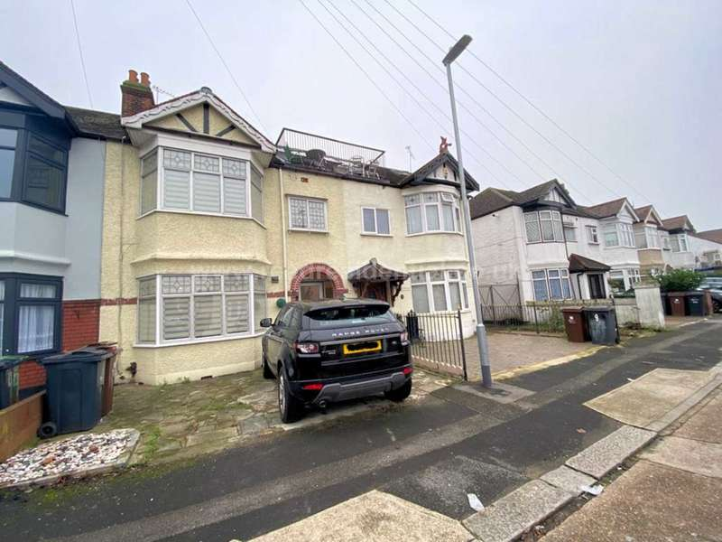 5 Bedrooms House for sale in Felhurst Crescent, Dagenham