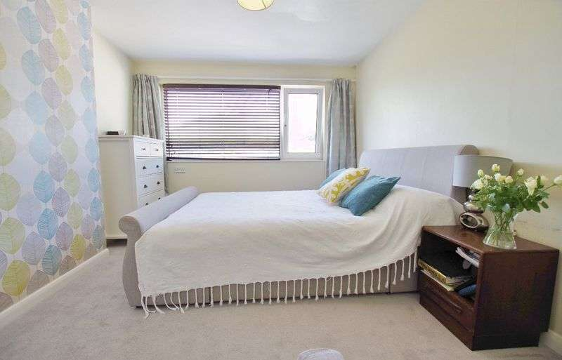2 Bedrooms Property for sale in Park Gardens, Lynton