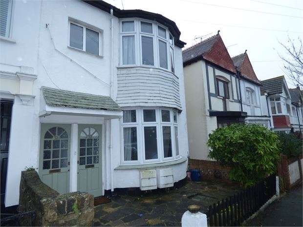 1 Bedroom Flat for rent in Leigh Cliff Road, Leigh on sea, Leigh on sea, SS9 1DJ