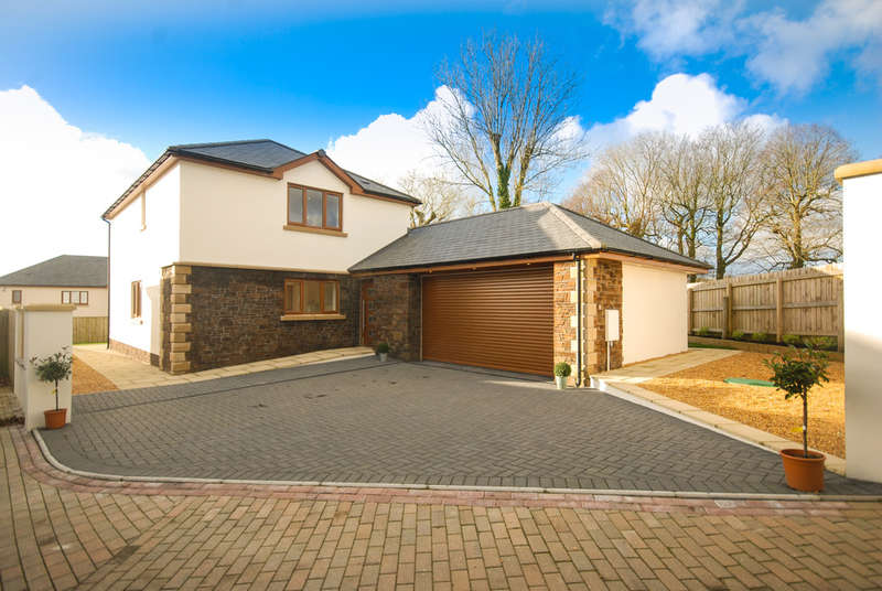 3 Bedrooms Detached House for sale in The Oaks, Buckland Brewer