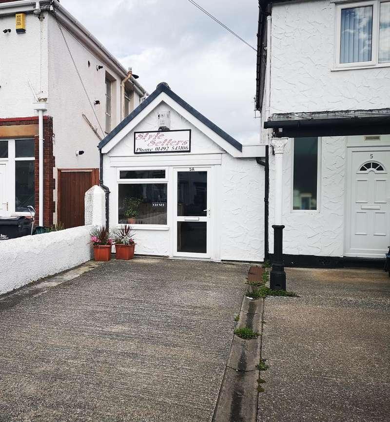 Hairdresser / Barber Shop Commercial for rent in Llandudno Road, Penrhyn Bay, LLANDUDNO, LL30 3EP