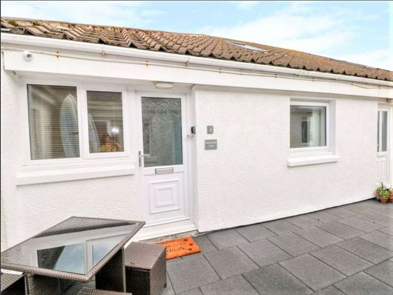 2 Bedrooms Flat for sale in The Cartwheel, Amroth, SA67 8ND