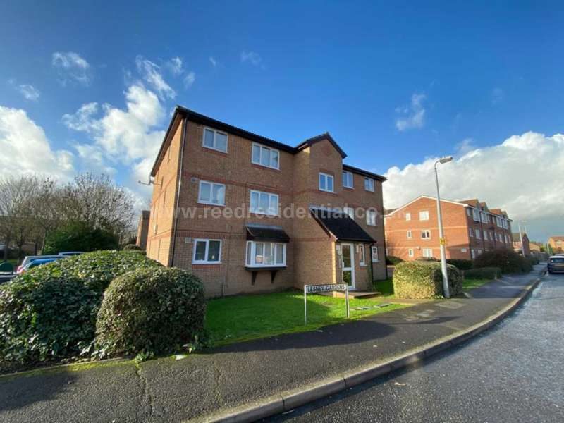 Apartment Flat for rent in Lesney Gardens, Rochford